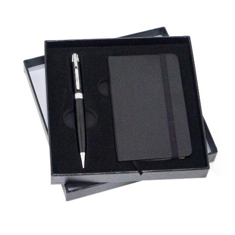 https://www.upbrindes.com.br/content/interfaces/cms/userfiles/produtos/602002-kit-executivo-de-2-pecas-com-estojo-em-papelao-caderneta-e-caneta-1.jpg