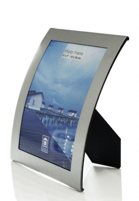 https://www.upbrindes.com.br/content/interfaces/cms/userfiles/produtos/610007-porta-retrato-curvado-em-aluminio-1.jpg