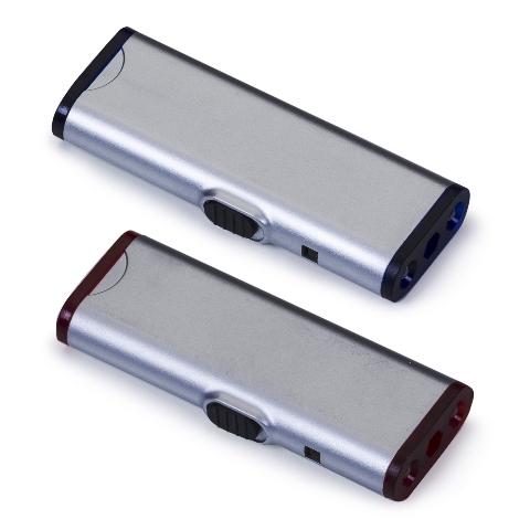 http://www.upbrindes.com.br/content/interfaces/cms/userfiles/produtos/903013-kit-ferramenta-com-3-pecas-e-2-lanternas-1.jpg